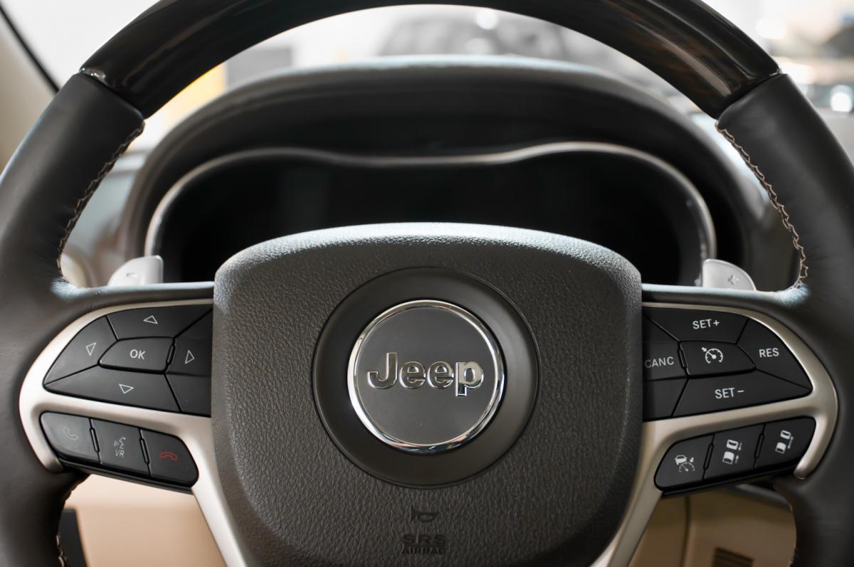 2014 jeep grand cherokee overland cor motorcars. Black Bedroom Furniture Sets. Home Design Ideas